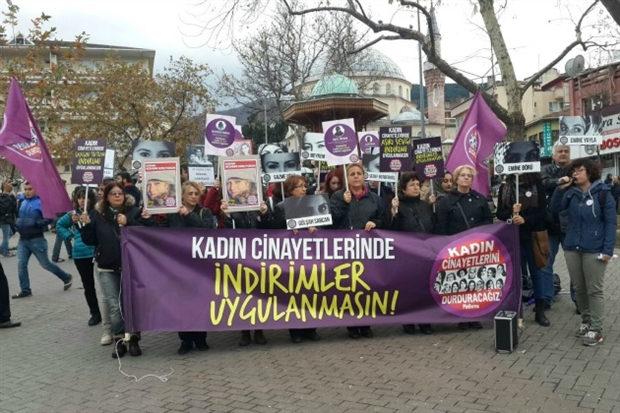 Kadınlar, kadın cinayetlerine karşı adalet istiyor
