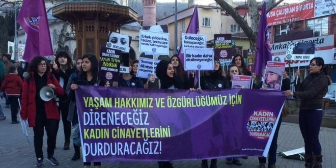 """Kadın Cinayetlerini Durduracağız Platformu: """"Bir kadın daha eksilmeyeceğiz"""""""