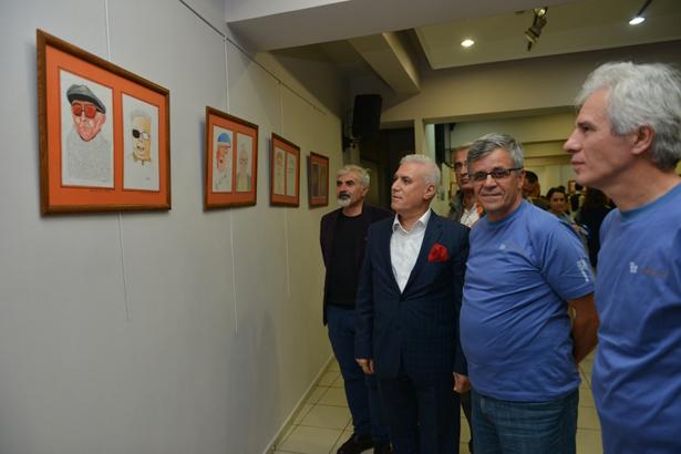 Yaşar Kemal'i karikatüre yansıttılar