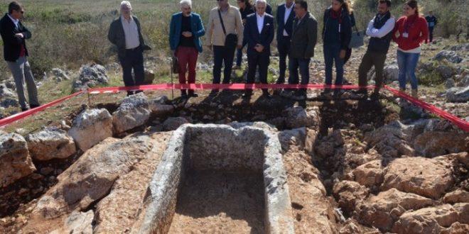 Bursa'da 2 bin 400 yıllık Roma mezarları gün yüzüne çıkarıldı