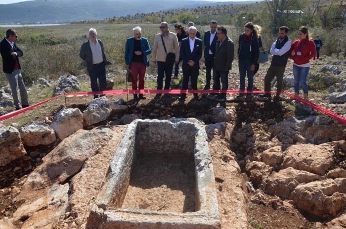 bursada-2-bin-400-yillik-roma-mezarlari-ortaya-cikti-700x463
