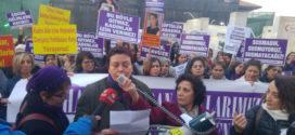 Bursa'da kadınlar yaşam için sokaklarda