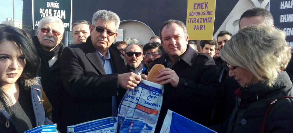 CHP Nilüfer ekmek zamlarını protesto etti