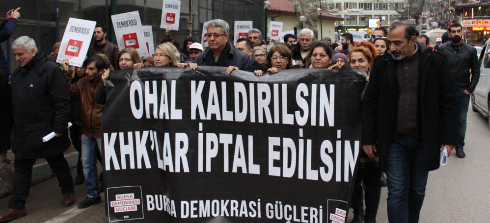 Bursa'da yüzler OHAL'e karşı yürüdü